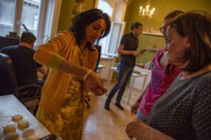 Die Gewinner unseres Advent-Gewinnspiels beim URfair Ayurveda Kochkurs mit Shivani Kapuria